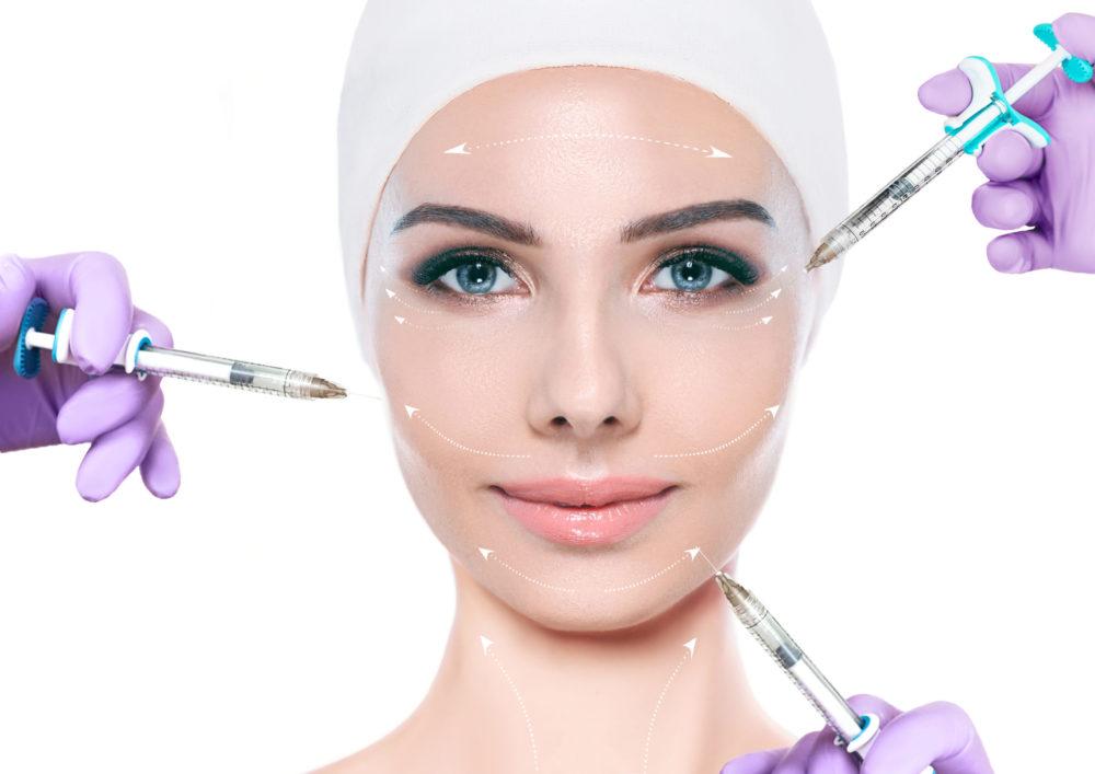 Réalisation d'injections multiples au niveau du visage pour traiter la manque de volume et apporter du soutient au visage remplissage pommettes joues sillons naso géniens avec acide hyaluronique