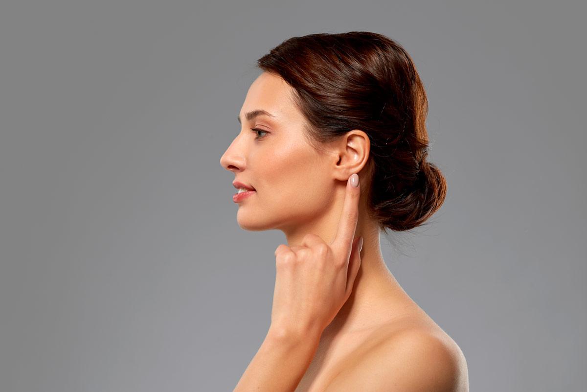 Chirurgie réparatrice des lobes d'oreilles fendus ou déchirés
