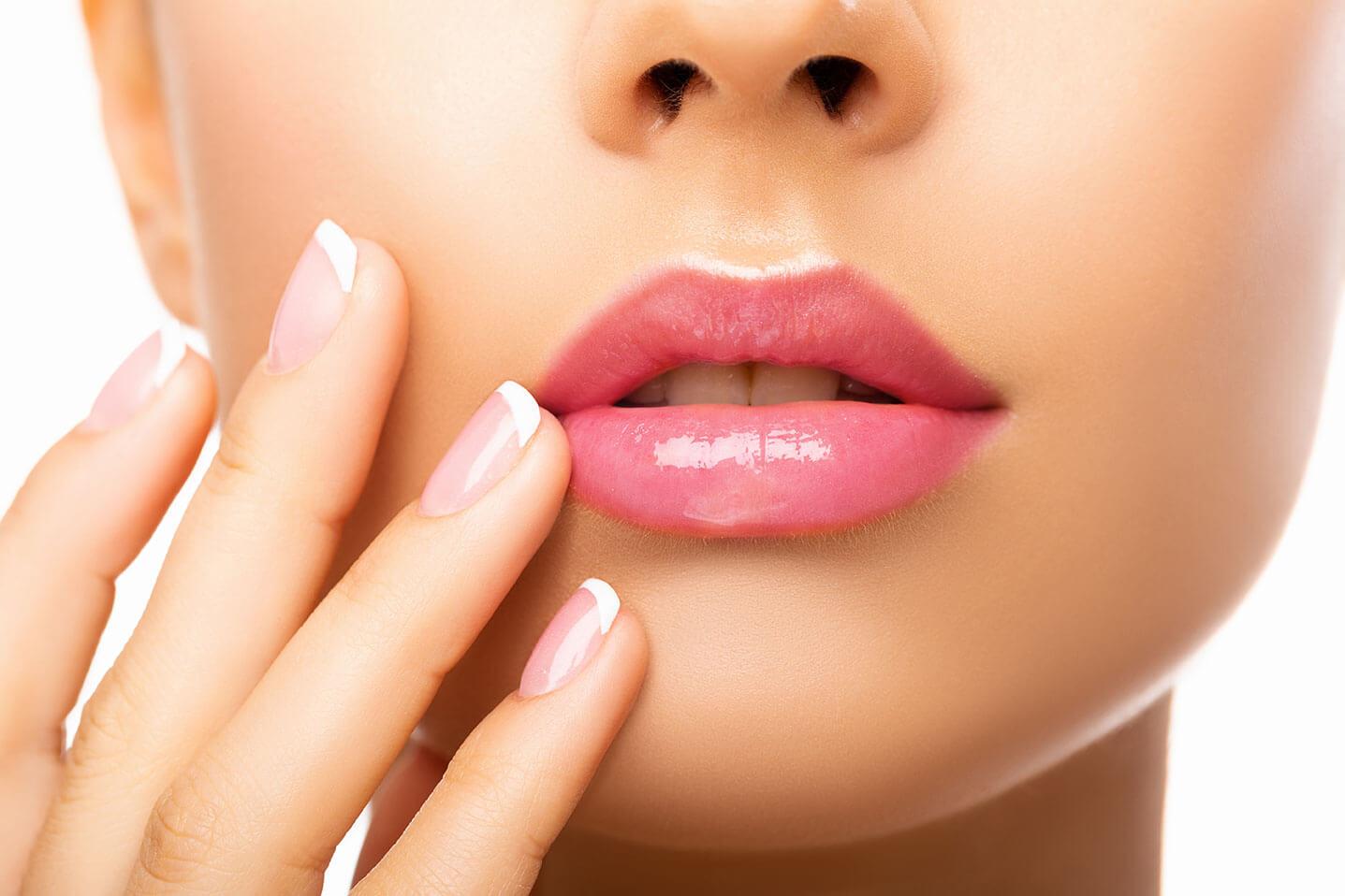 Lip lift, le lifting de la lèvre supérieure